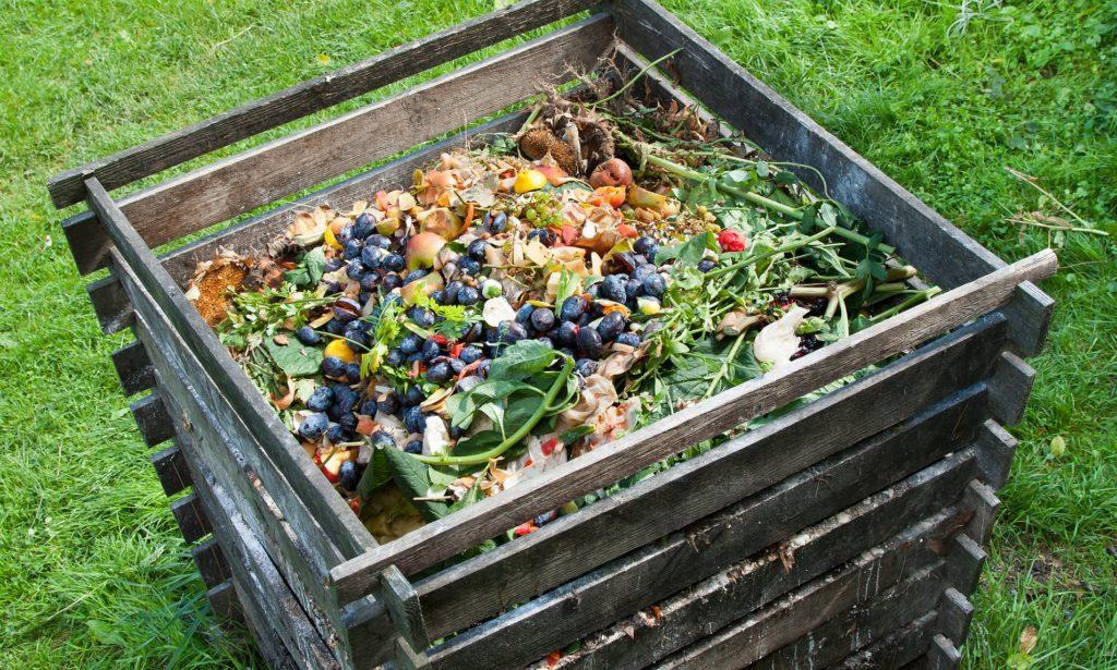 Почва для травяного сада ящик компост компостная куча